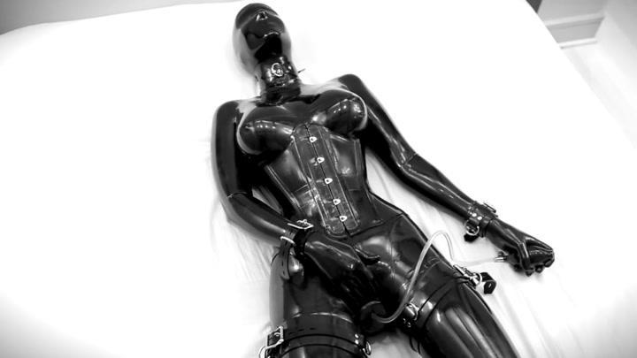 Rubber_doll_masturbates__then_is_bound_and_vibrate.00000.B3,